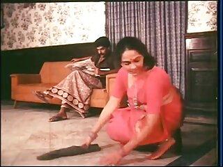 सफेद पोशाक और पेंटीहोज में छोटे बालों वाली श्यामला हिंदी पिक्चर सेक्सी मूवी एचडी