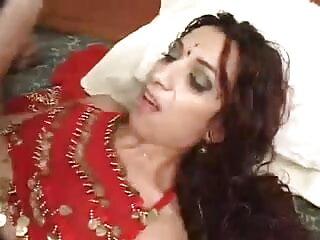 वोगलिया डि हिंदी एचडी सेक्सी मूवी गार्डर