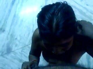 विशाल गधा titties के हिंदी सेक्सी मूवी एचडी साथ सफाई महिला