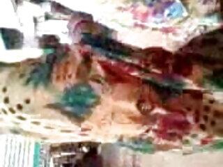 लाश उसके साथ हिंदी फिल्म सेक्सी एचडी में खेलती है