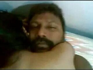 हॉट हिंदी सेक्सी एचडी मूवी आमेचर बस्टी मिल्फ गड़बड़ में उसकी लिविंग रूम