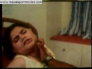 एक सेक्सी एचडी हिंदी मूवी स्ट्रैपआन के साथ गर्म गोरा नाखून