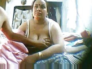 बालों वाली सेक्सी हिंदी एचडी फुल मूवी बिल्ली लैटिना गड़बड़