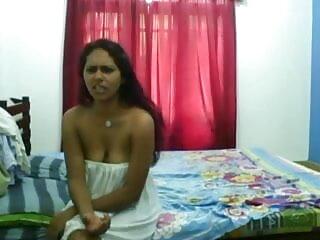 MRY हिंदी सेक्सी एचडी मूवी वीडियो - हॉट बॉडी टीन गड़बड़ है